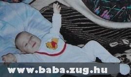 Itt már nyoma sincs a kora szülöttségnek, boldog baba