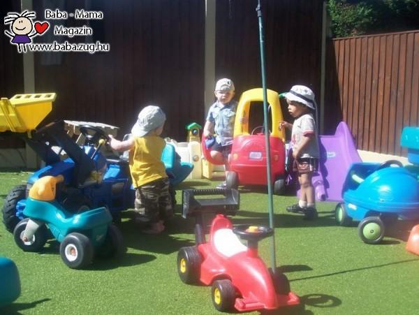 Fiúk és a járművek