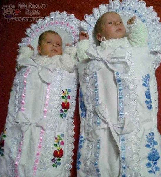 Pólyás babák - hímzett