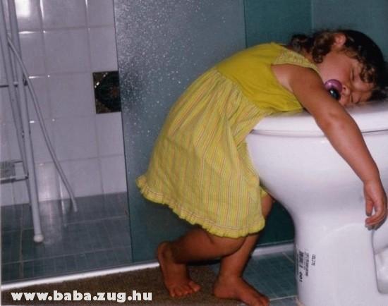 Pihenõ a fürdõben
